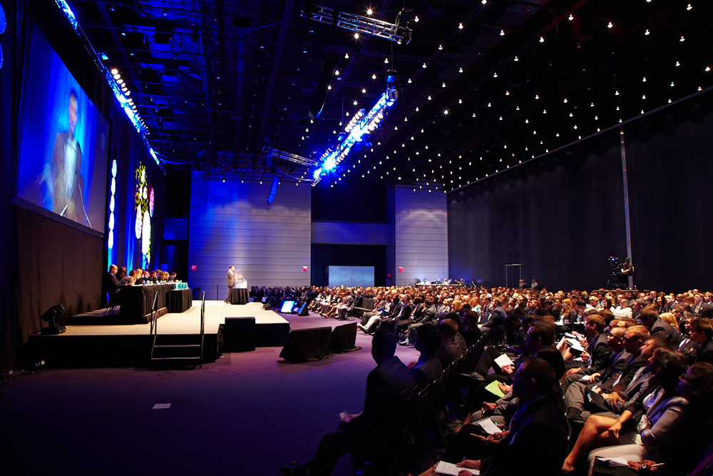 5 best ways to make people fall in love with your conferences